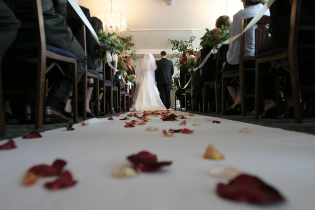 Everything to know about hiring an expert wedding photographer
